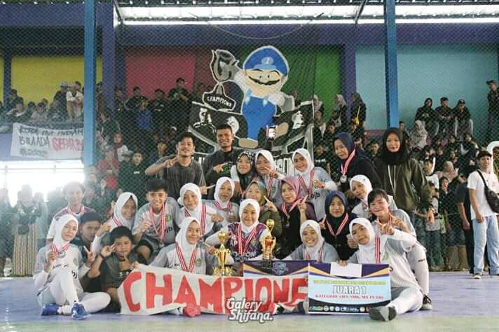 Juara 1 Kompetisi Olahraga siswa Nasional cabang Futsal Putri